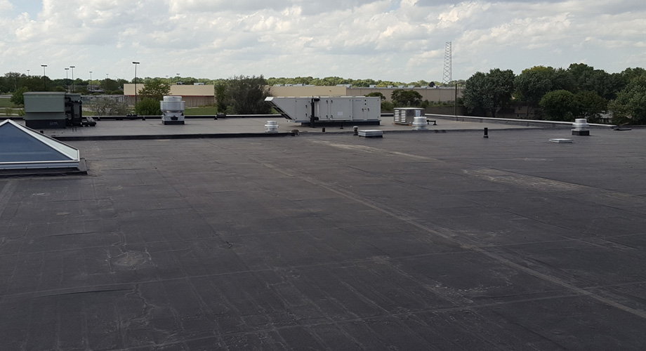 mckinnis-commercial-roofing-single-ply-epdm-membranes